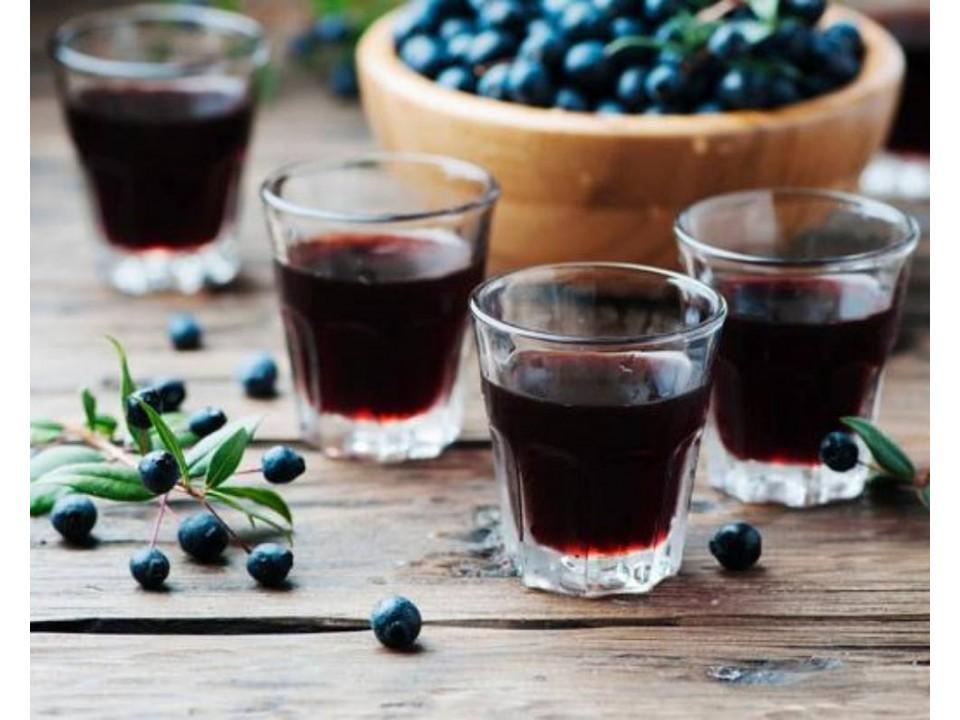 liquore al mirto sardo: ricetta tradizionale di Isolas.it