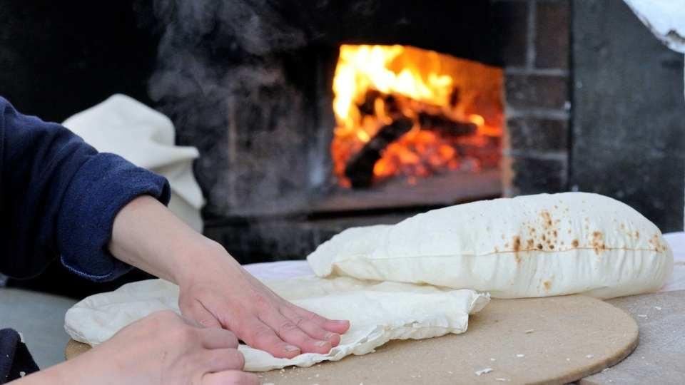 preparazione pane carasau