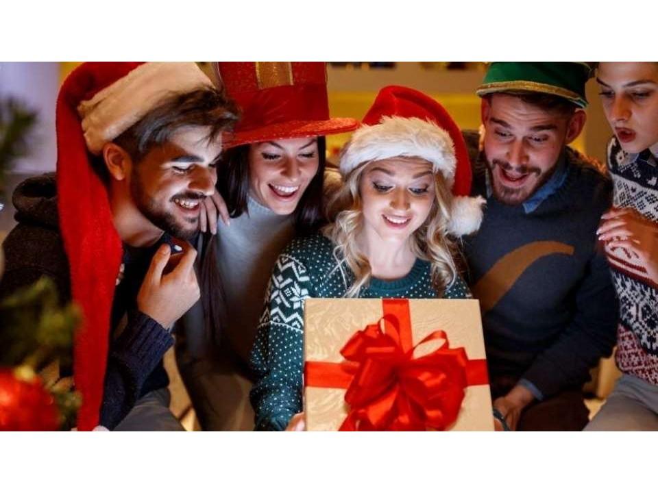 Cosa regalare a Natale? Ecco regali di natale originali e alternativi.
