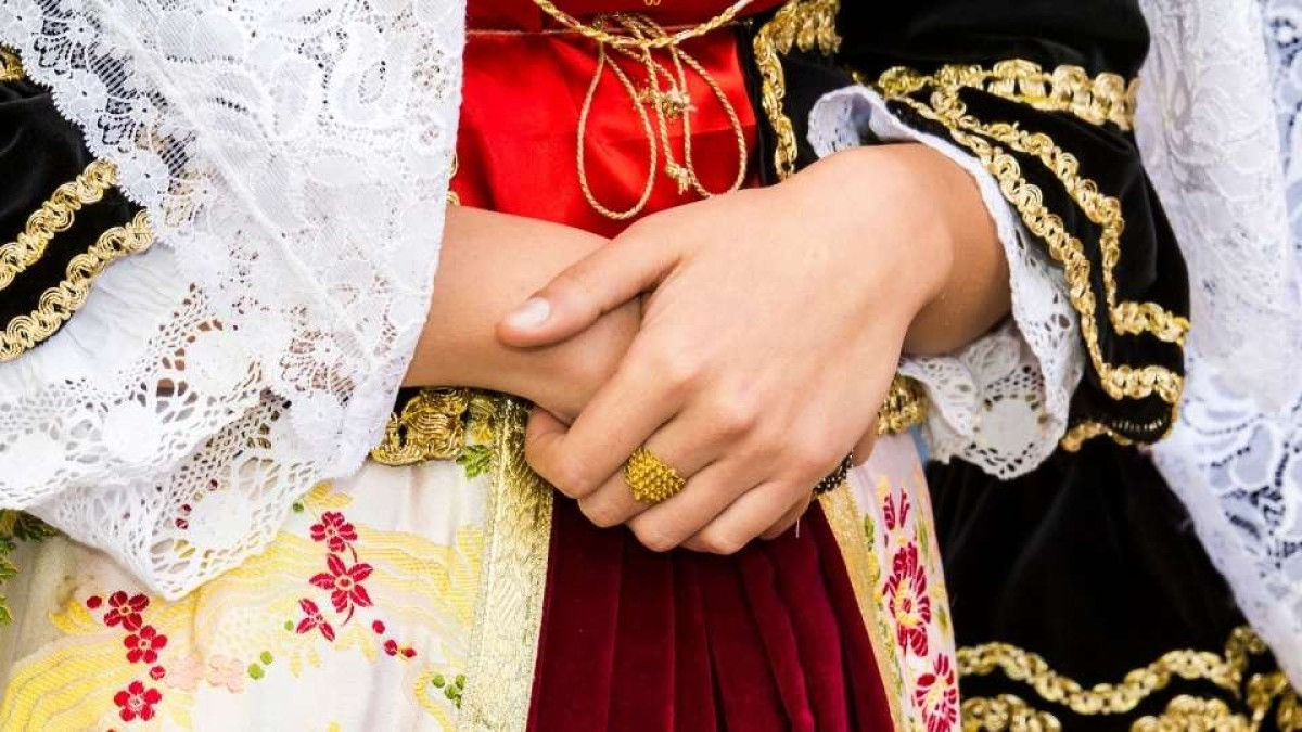 costume sardo: abbigliamento tradizionale sardo